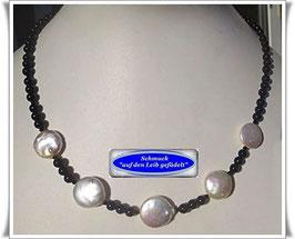 1572. zierliche Onyx-Zuchtperlenkette