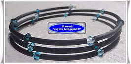 131) Memory Wire-Armband mit Glas-Biconen TS