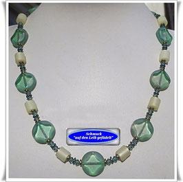 952. hellgrüne Glasperlenkette