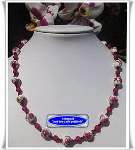 1289. hübsche Porzellanperlen-Kette Set