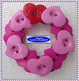 25) Armband aus Herz-Knöpfen TS