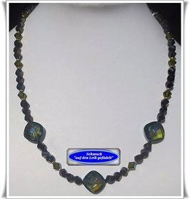 824. schwarz-grüne Glasperlenkette