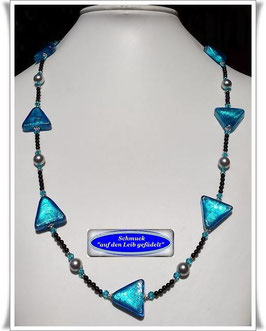 1881. interessante Muranoglas-Dreiecke-Onyx-Kette