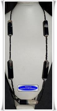 1934. sehr lange Onyx-Kette mit Achat-Walzen