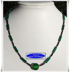 1920. feine Malachit-Walzen-Kette mit Muranoglas-Perle