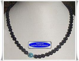 1585. zierliche Blaufluss-Kette mit Muranoglasperle