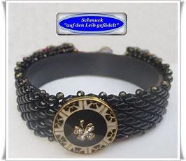 102) schwarzes Glasperlen-Armband mit Swarovski-Knopf