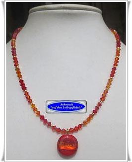 1668. orange-rote Swarovski-Kette mit schönem Glasperlen-Anhänger