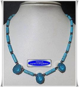 1651. Türkis-Zylinder-Kette mit gefassten Swarovski-Perlen