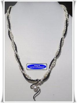 776. 3-reihige schwarz-weiße Perlenkette