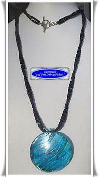 1372. lange Glasperlenkette mit großem Muranoglas-Anhänger