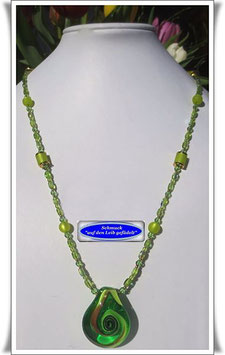 686. hellgrüne Muranoglas-Kette