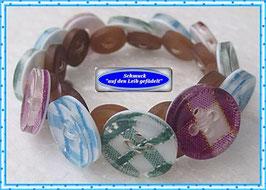 31) hübsches Armband aus Knöpfen TS
