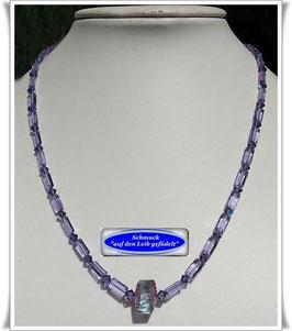 176) fliederfarbene Glasperlenkette TS