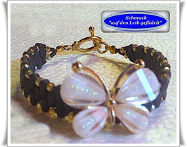 15) Armband mit Schmetterling-Zierknopf