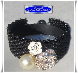 98) edles Glasperlen-Armband mit Blüten-Zierknopf