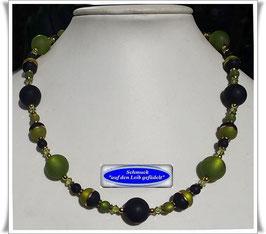 1675. schwarz-grüne Polaris-Perlenkette