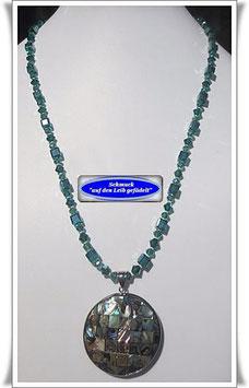 1487. Glasperlenkette mit Paua Muschel-Anhänger