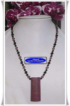 1116. Swarovski-Perlenkette mit Rhodonit-Anhänger