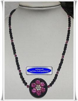 159. ausgefallene Onyx-Kette mit Strassblüten-Knopf TS
