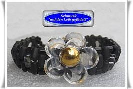 27) schmales Armband mit Blüten-Zierknopf