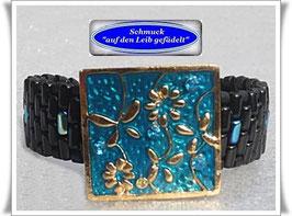 33) Glasperlen-Armband mit Blüten-Zierknopf
