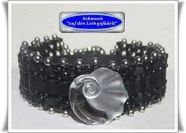 86) Glasperlen-Armband mit schönem Glasknopf