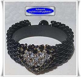71) Glasperlen-Armband mit Herz-Knopf