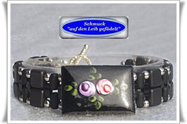 48) Armband mit edlem Emaille-Zierknopf
