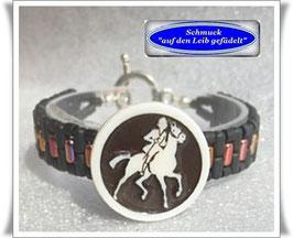 10) schicke Armbänder mit Celluloid-Knopf
