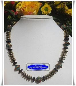 1392. Hämatit-Kette mit tibetanischen Perlen