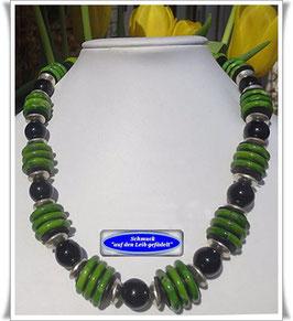 728. grüne Howlith-Kette