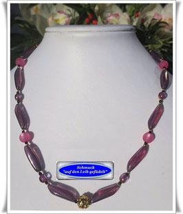 671. lilafarbene Glasperlenkette