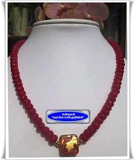 1318. rote Quarzit-Kette mit Muranoglas-Perle