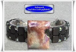 20) Armband mit Edelstein-Zierknopf