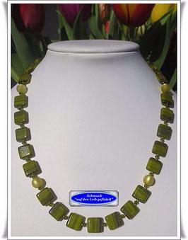 688. grüne Glasperlenkette Set