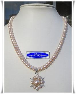 1377. edle Perlenkette mit Anhänger