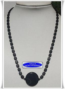 1808. schwarze Glasperlen-Swarovski-Kette mit Onyx-Button