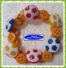 17) Jungen-Armband aus Fußball-Knöpfen TS