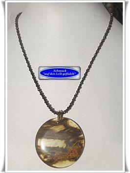 1492. Spinell-Pyrit-Kette mit interessantem Quarz-Anhänger