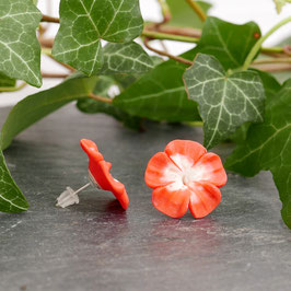 Blümchenohrstecker erdbeer