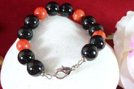 Armband aus Onyx und Koralle