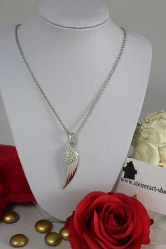 Engelsflügel Silber rhodiniert mit Strasssteinen, lange Silberkette rhodiniert.