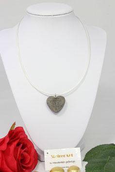 Herz aus Horn mit Silberner Draht - Kette