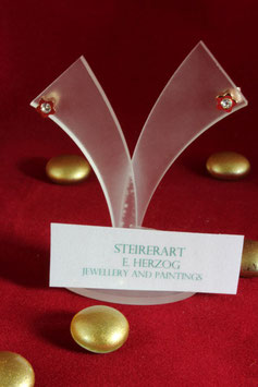 """""""Flower""""  Zarte Ohrstecker aus Edelstahl mit Strassstein rot vergoldet."""