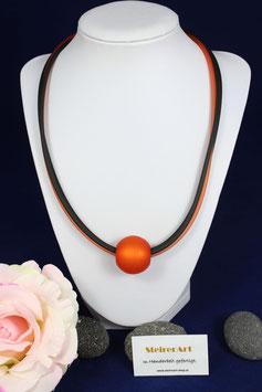 Kette aus PVC-Bänder mit oranger Polariskugel