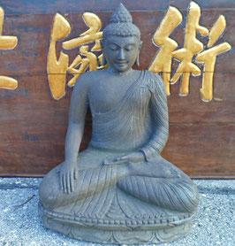 sitzender Buddha - Flusslavastein - 110 cm