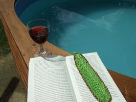 Feder-Lesezeichen aus hellgrüner Baumwolle, mit Lederband eingefasst