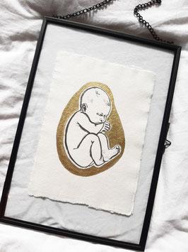 BABY PRINT HANDBEWERKT GOUD IN ZWART METALEN GLAS LIJST