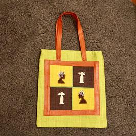 Einkaufsbeutel mit gestickten Bildern